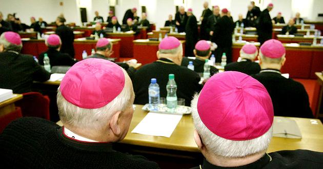 Przepisy o RODO surowe także dla Kościoła. Duchowni już kombinują jak ominąć prawo