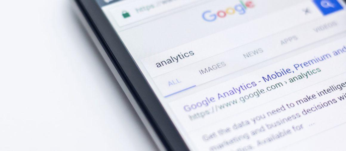 Google i Facebook wiedzą, jakie strony rządowe przeglądasz